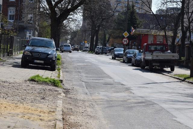 Niebawem rozpocznie się remont ulicy Wawrzyniaka w Inowrocławiu. Mieszkańcy tej części miasta czekali na niego długo, bo stan jezdni i chodników jest tam bardzo zły