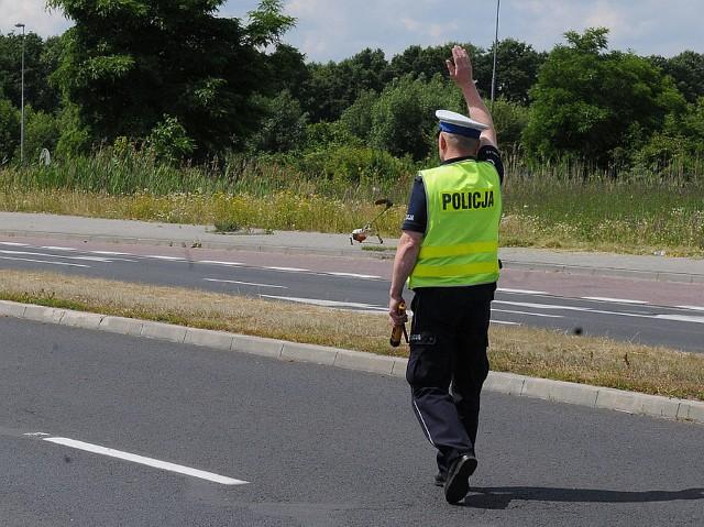 Kierowca został zatrzymany w Radachowie za przekroczenie prędkości. Stracił prawo jazdy.