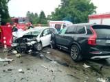 Śmiertelny wypadek w Malechowie. 24.06.2021 r. Nie żyje 63-letnia kobieta. Zginęła w zderzeniu dwóch samochodów. Na dk 6 wyznaczono objazdy