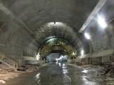 Budowa ekspresowej S7. Prawy tunel zakopianki jest już całkowicie zabetonowany [ZDJĘCIA]