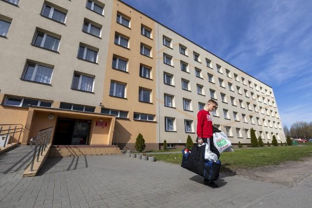 Większość studenci wyjechała w marcu, ale osoby, które przyjechały z zagranicy, nadal mieszkają w akademikach
