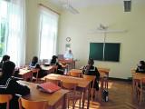 Rygorystyczna żeńska szkoła zakonna po raz pierwszy ogłasza nabór dla chłopców