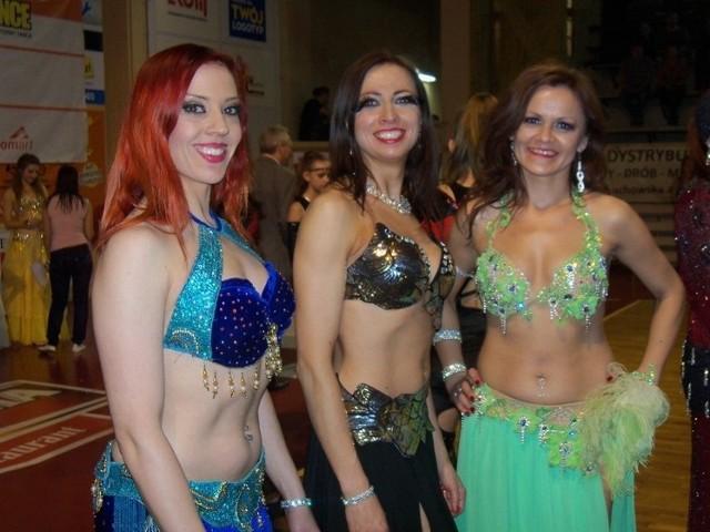 Tancerki z całej Polski występowały indywidualnie i w grupach tanecznych, prezentując styl orientalny.