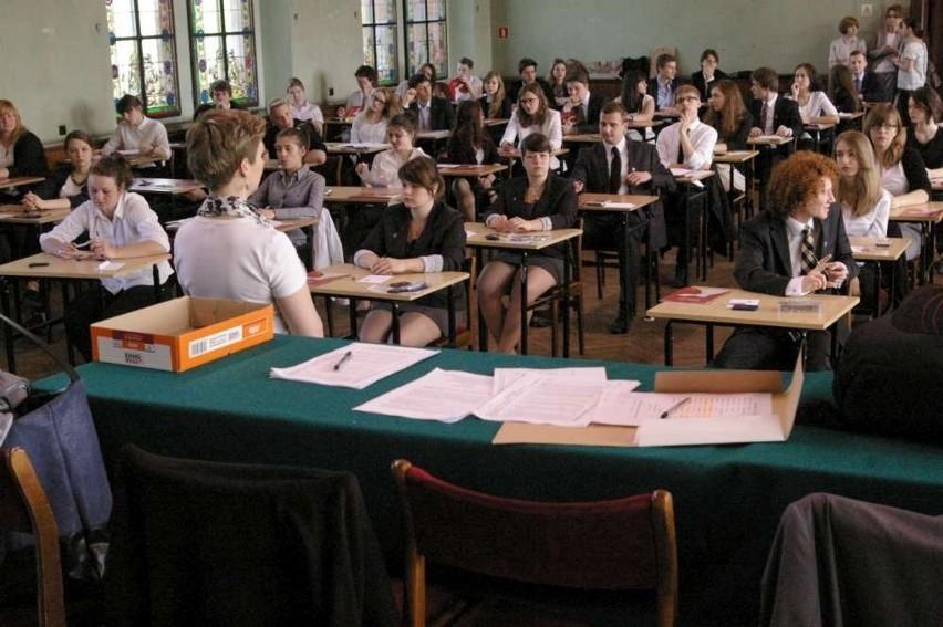 Maturzyści czekają na wynik matur 2013