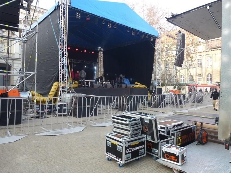 Sylwester w Poznaniu: Trwają przygotowania na placu Wolności