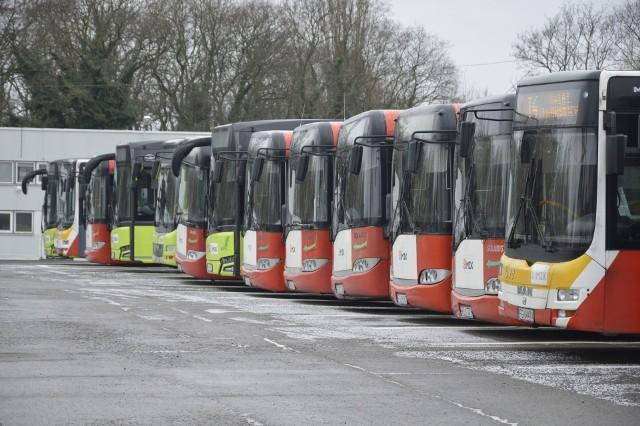 Z powodu niewielkiej liczby pasażerów przewoźnik ograniczył kursowanie kilku linii.