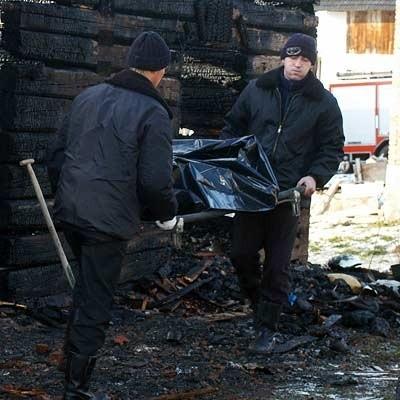 Dopiero po ugaszeniu pożaru odnaleziono ciało właściciela domu.