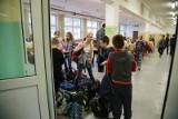 Rok temu rozpoczął się największy w Polsce strajk nauczycieli. Pamiętacie? Dzieci zostały w domach, nauczyciele wyszli na ulice