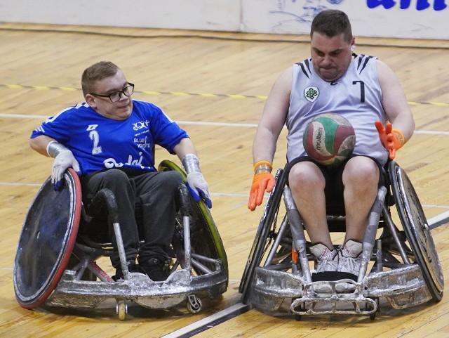 W weekend w Poznaniu odbywa się niezwykły turniej. W hali Arena Polska Liga Rugby na Wózkach rozpoczęła nowy sezon. Zobacz zdjęcia tej widowiskowej dyscypliny sportu.Przejdź do kolejnego zdjęcia --->