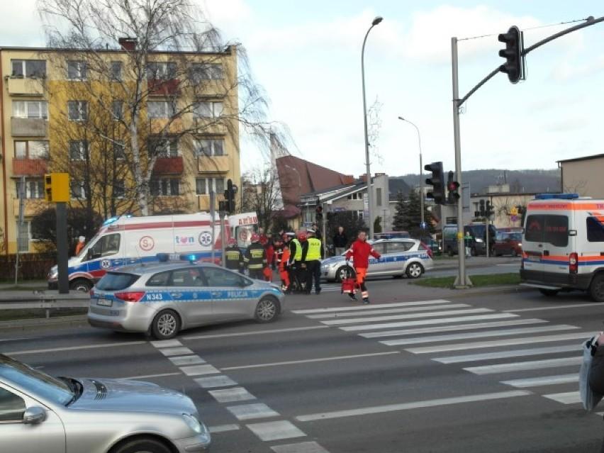 Wypadek w Wejherowie. Potrąconego mężczyznę zabrał śmigłowiec LPR