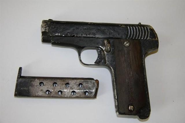 To z tej broni Wiesław Ż. usiłował zabić brata, a potem sam się zastrzelił.