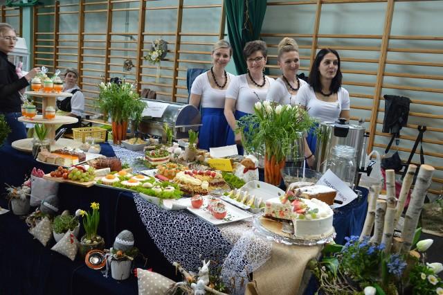 Ten wielkanocny stół przygotowały panie z koła Związku Śląskich Kobiet Wiejskich w miejscowości Kierpień.