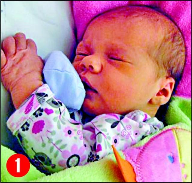 1. Iga, córka Joanny i Piotra Padowskichz Makowa, urodzila sie 12 grudniao godz. 16.35. Wazyla 3300 g, mierzyla 55 cm.
