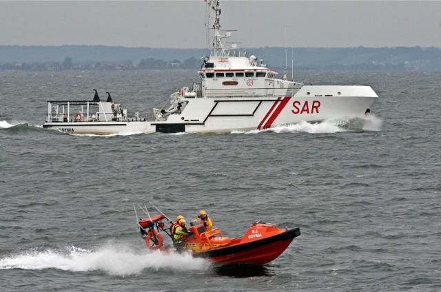 Dyrektorzy SAR i urzędów morskich postulują o podwyżki dla pracowników w wysokości średnio 1,2 tys. zł. Na razie przyznano im około 25 proc. tej kwoty, ale mają być kolejne