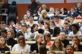 Studenci i kadra naukowa Uniwersytetu Łódzkiego powitali nowy rok akademicki
