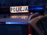 Matka zgłosiła zaginięcie 54-letniego syna. Policjanci znaleźli go leżącego na polu, Był zmarznięty i pijany