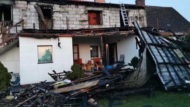 W wyniku pożaru oraz po zalaniu wodą dom nie nadaje się do zamieszkania. Konieczna jest odbudowa. W internecie trwa zbiórka na ten cel.