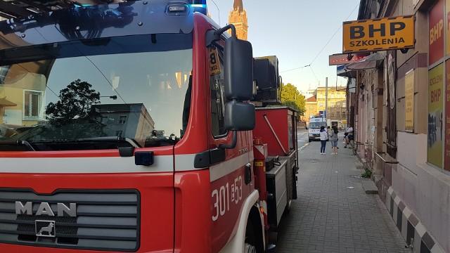 Pożar na Wojska Polskiego w Łodzi. Wśród ewakuowanych mieszkańców troje dzieci