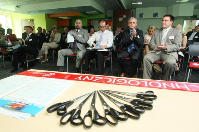 W uroczystości wzięła udział liczna grupa gości zarówno ze strony kanadyjskiej, jak i polskiej.