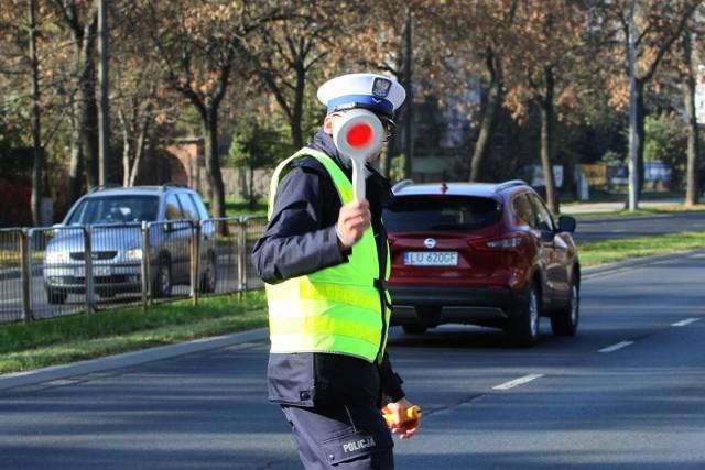 Ministerstwo Infrastruktury przygotowuje spore zmiany dla kierowców i pieszych. Jeszcze w tym roku wszystkich czekają ogromne zmiany w prawie!Co się zmieni? Zobacz na kolejnych stronach! ---->
