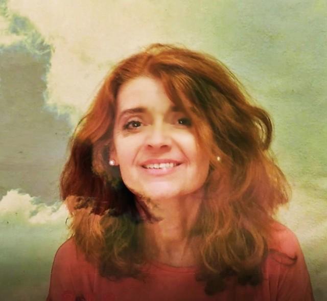"""Małgorzata Nowak, radomska wokalistka nagrała piosenkę """"Maleńka miłość""""."""