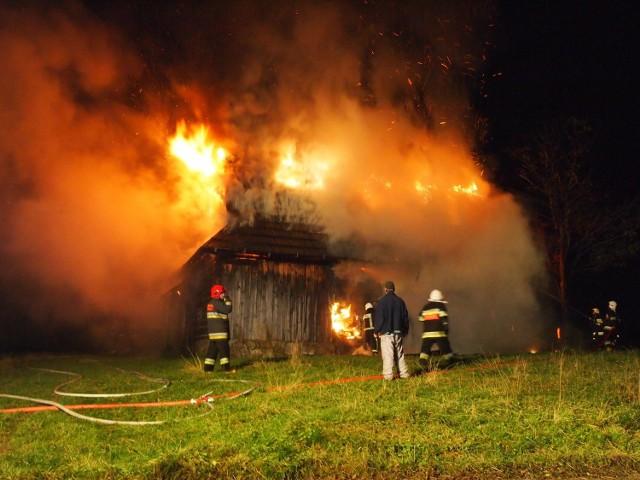 Pożar pustostanu na gawlakach, który wywołał podpalacz