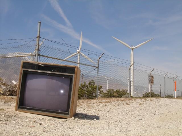 Stary telewizorElektroodpady możesz oddać bezpłatnie. Nie wyrzucaj ich do śmieci