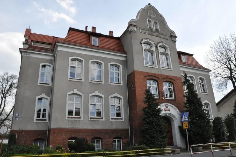 Szkoła podstawowa nr 2 w Kluczborku. Tu również od czwartku nie będzie zajęć.