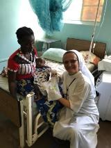 Alicja Podgórni z Mszany Dolnej z lekarzami z Krakowa chce pomóc szpitalowi w Katondwe