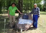 Na głazie w stanicy wodnej nad Brdą upamiętniono Aleksandra Dobę [zdjęcia]