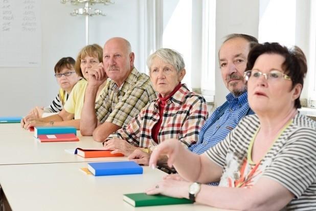 Niepracujący seniorzy mają szansę na ciekawe zajęcia