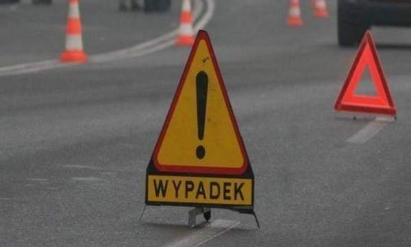 """Do wypadku doszło na krajowej """"dziesiątce"""" w okolicy miejscowości Żółwino"""
