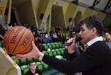 WOŚP Inowrocław. 300 złotych za piłkę z autografami koszykarzy