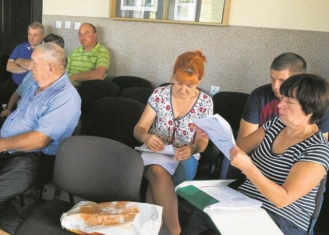 Mieszkańcy złożyli do starosty oficjalny protest w sprawie wiatraków. Podpisało się pod nim 130 osób.