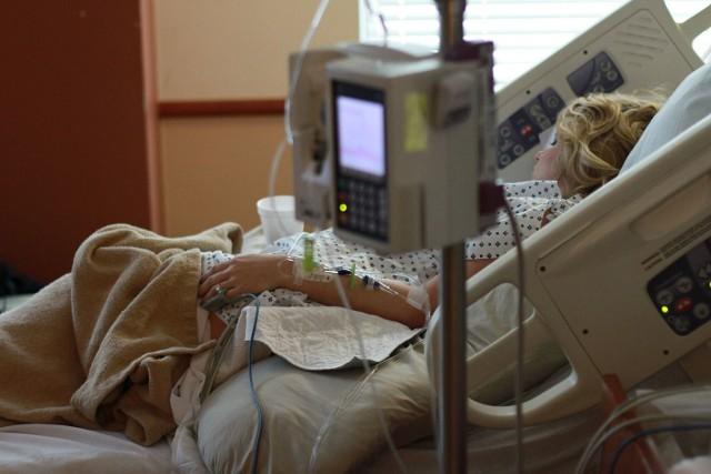 Śmiertelnie groźna bakteria klebsiella pneumoniae typu New Delhi dotarła do Białegostoku