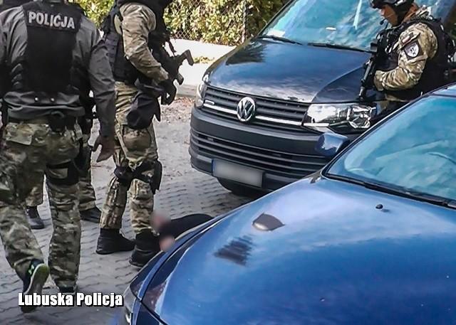 37-letni obywatel Bułgarii usłyszał trzy zarzuty.