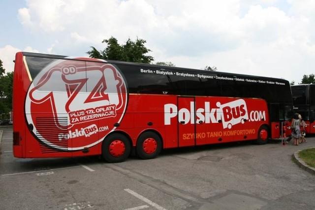 Najnowocześniejsze w Polsce autokary marki PolskiBus.com, które zabierać będą pasażerów z Kielc mają 14 i pół metra długości. Mogą pomieścić 70 osób i trzy osoby na specjalnych miejscach dla niepełnosprawnych.