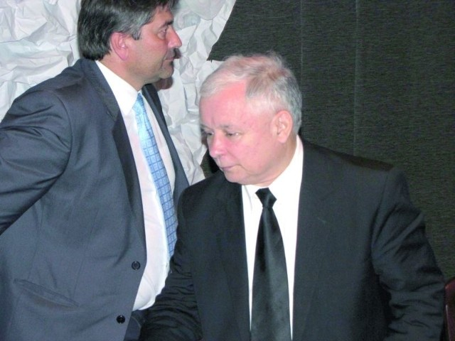 W gminie Puńsk PiS otrzymuje zwykle bardzo małe poparcie. Wójt Liszkowski (z lewej) nie ma wątpliwości, że wizyta J. Kaczyńskiego tego nie zmieni.