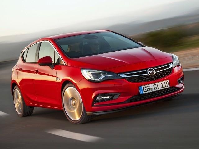 Astra jest jednym z 7 finalistów w walce o tytuł Car of The Year 2016. W całej Europie zebrano już ponad 65 000 zamówień na ten model, mimo że na większości europejskich rynków pojawił się on dopiero w listopadzie