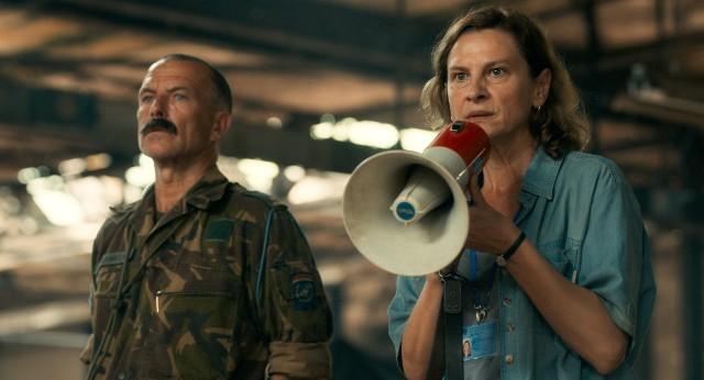 """W filmie """"Aida"""" wybitną kreację stwarza Jasna Đuričić (z prawej)"""
