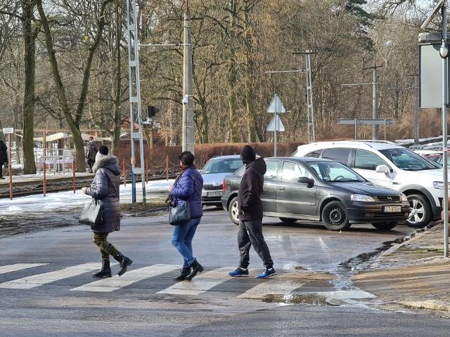 Zgodnie z projektem, którego nikt z mieszkańcami nie konsultował, na wszystkich skrzyżowaniach uli. Bydgoskiej pojawią się sygnalizacje.