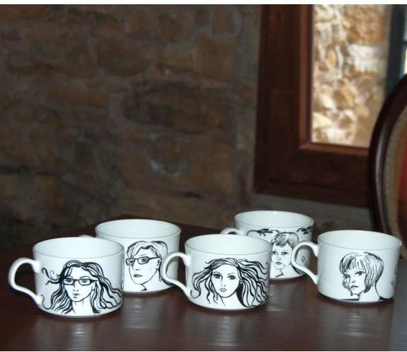 Tak wyglądają portrety na filiżankach, jakie można zamówić w Fabryce Porcelany AS w Ćmielowie