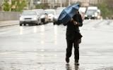 Meteorolodzy ostrzegają! Niż Korneliusz nad Polską. Nadciąga silny wiatr. Ostrzeżenia pogodowe dla połowy kraju! [MAPY POGODOWE]