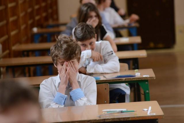 Sprawdzian szóstoklasisty odbędzie się 1 kwietnia 2015 roku. 17 grudnia uczniowie przystąpią do próbnego sprawdzianu