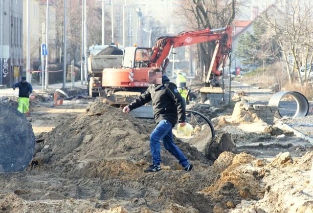 1 lutego 2019. Remont ulicy Dworcowej w Zielonej Górze. Kiedy doczekamy się końca prac?