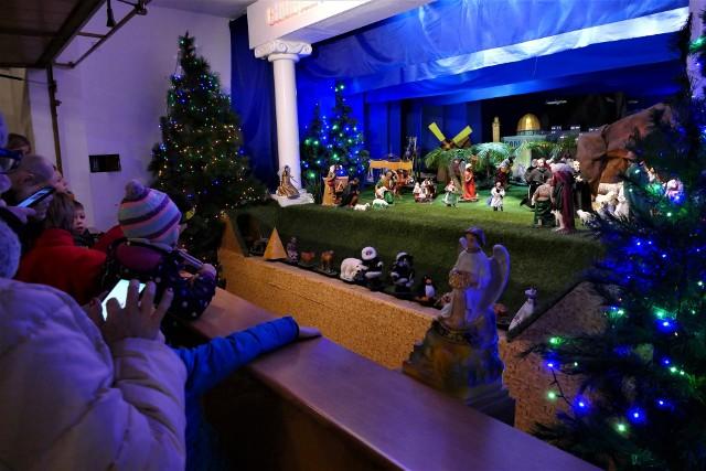 W parafii Podwyższenia Krzyża Świętego, czyli u koszalińskich franciszkanów, w pierwszy dzień Świąt Bożego Narodzenia uruchomiona została wyjątkowa ruchoma szopka.
