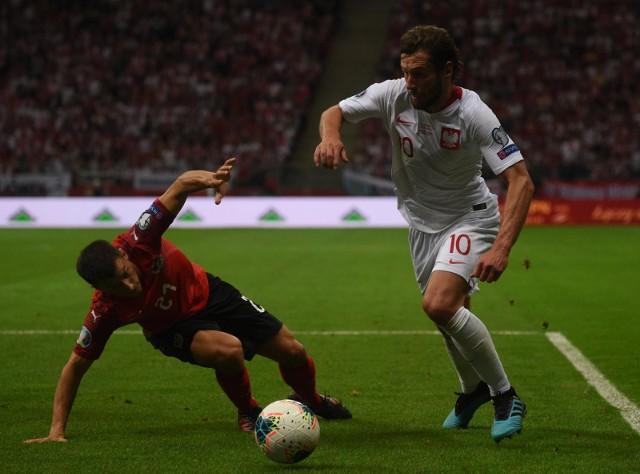 Na PGE Narodowym nikt nie odstawiał nogi, a Austriacy mogą mówić o szczęściu, że dokończyli mecz w pełnym składzie. Węgierski sędzia był jednak dla nich pobłażliwy.