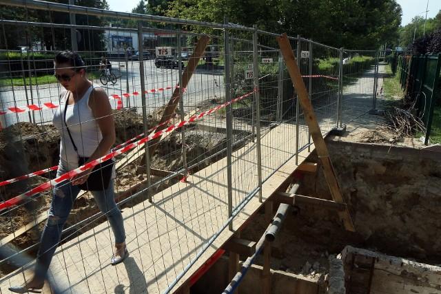 Ul. Głęboka. Utrudnienia w ruchu, m.in. całkowite zamknięcie ulicy, będą od 10 do 18 sierpnia