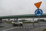 Z drogi S19 i autostrady A4 na lotnisko w Jasionce pojedziemy dwupasmówką