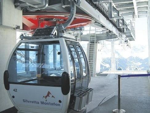 Jedna z kolejek funkcjonujących w alpejskiej dolinie Silvretta Montafon produkcji firmy austriackiej Doppelmayer. To prawdopodobnie ta firma wykona gondole dla rewalskiej inwestycji. Będą większe od tych na zdjęciu. Jednorazowo zabiorą około 8 osób